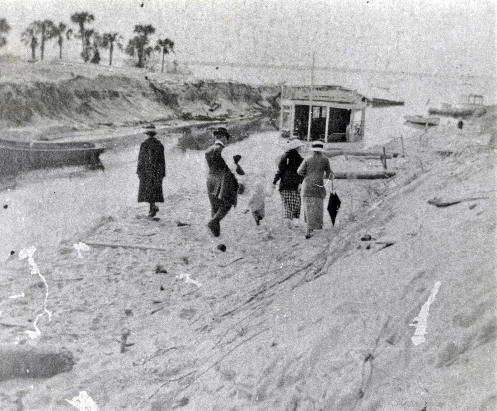 historical photo from January 1919 showing local residents walking at the inlet
