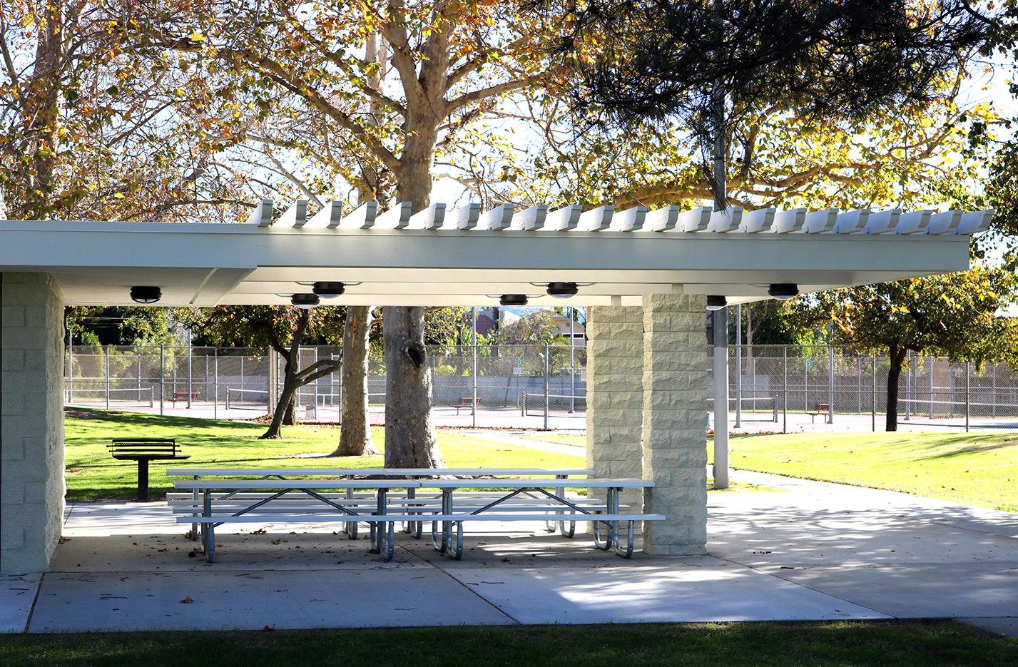 Valle Lindo Park picnic shelter