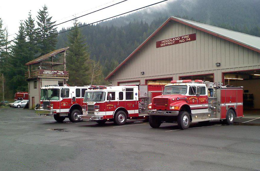 Contains: Photo of Engine 354, Engine 352, and Engine 353.