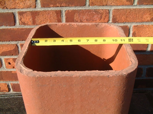 May contain: brick
