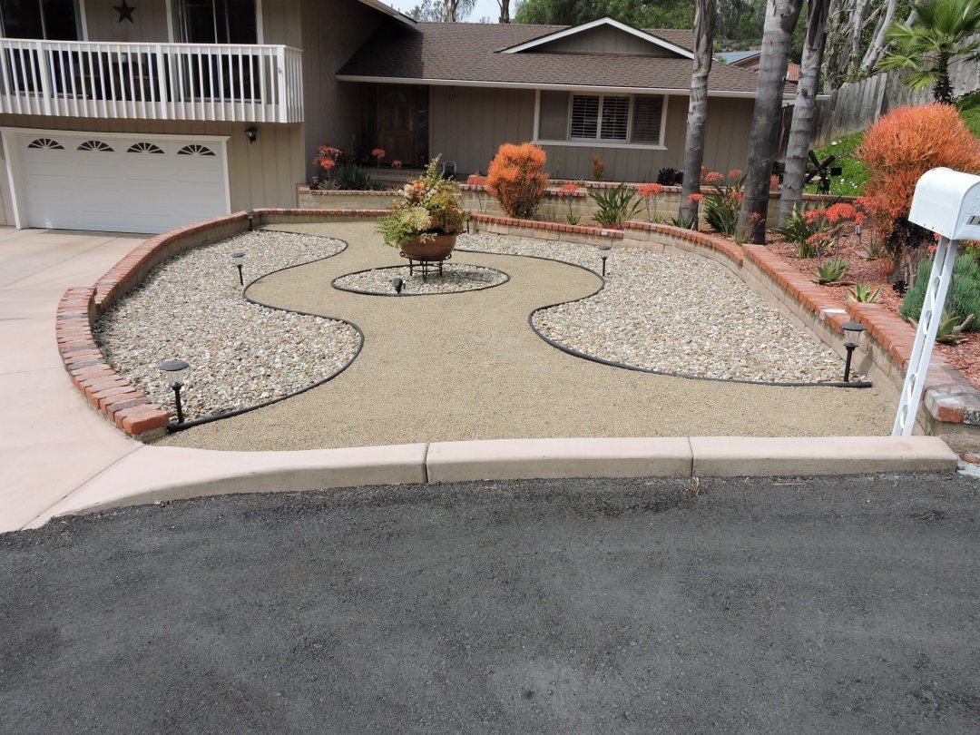 2018 Landscape contest winning front yard. Rock hardscape and drought toleratn plants.