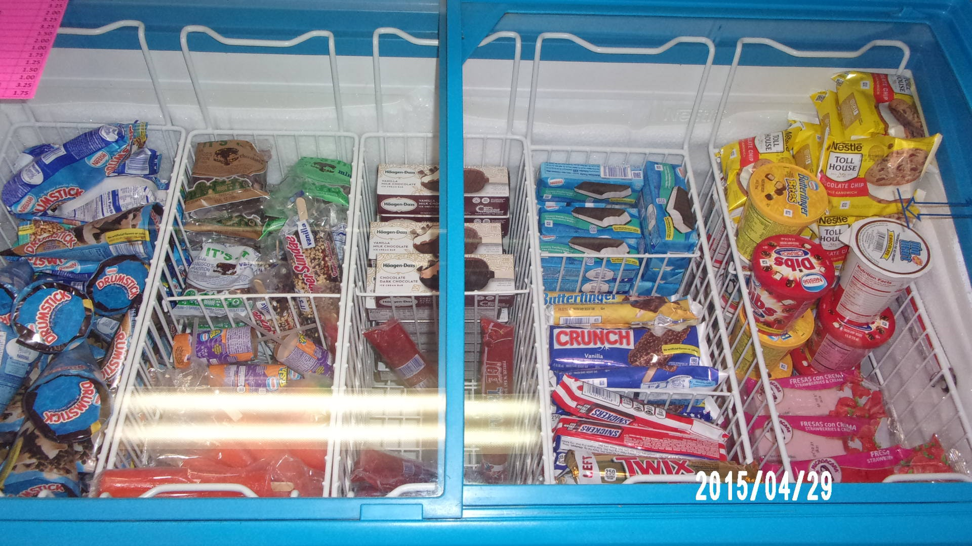 May contain: shelf