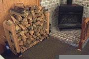 May contain: wood