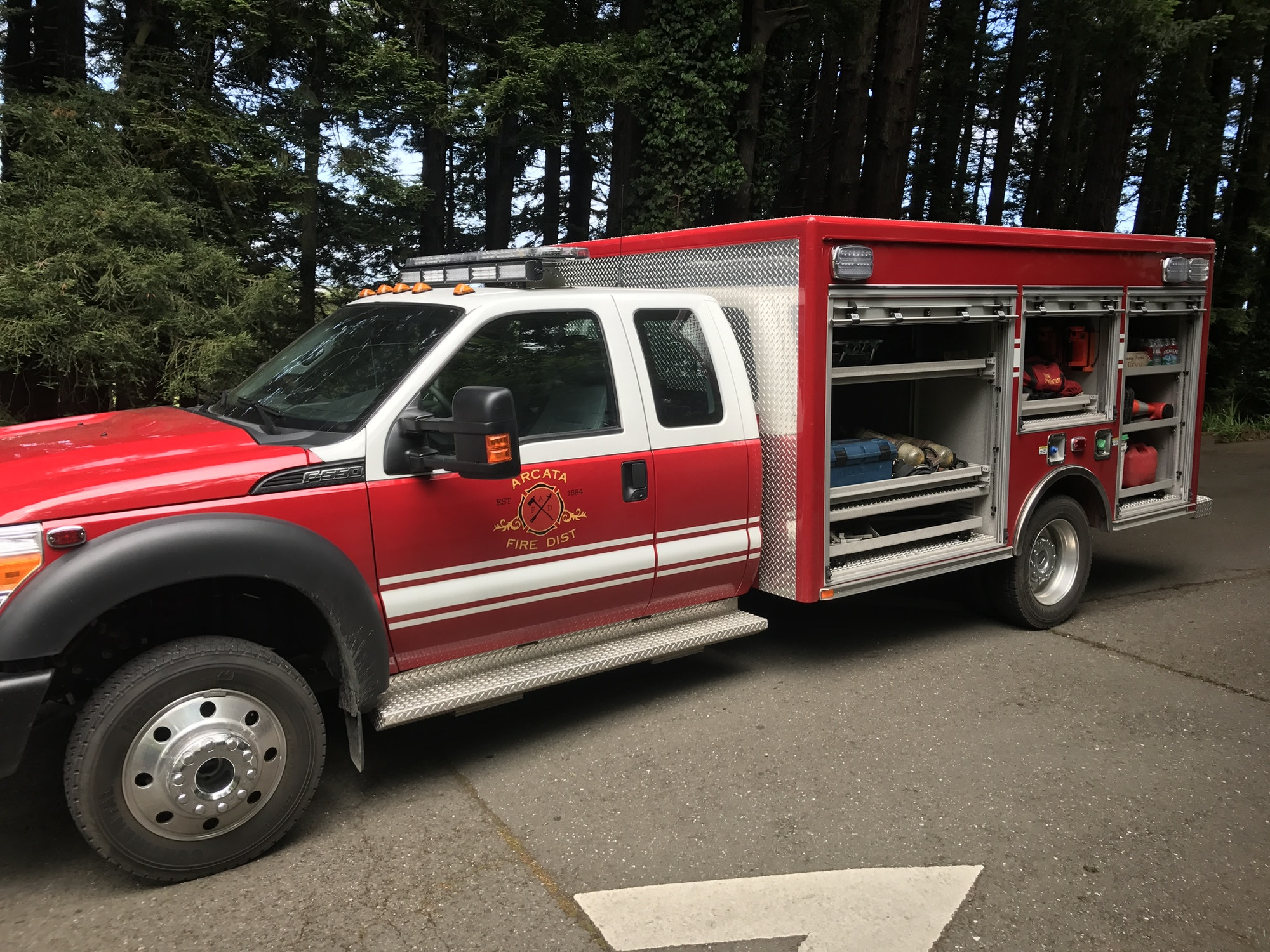 Photo of Rescue 8274 with compartments open