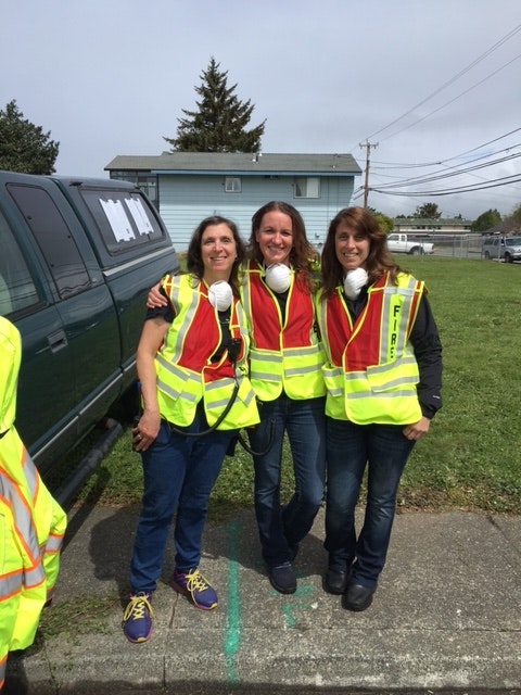 Photo of 3 Logistics members.
