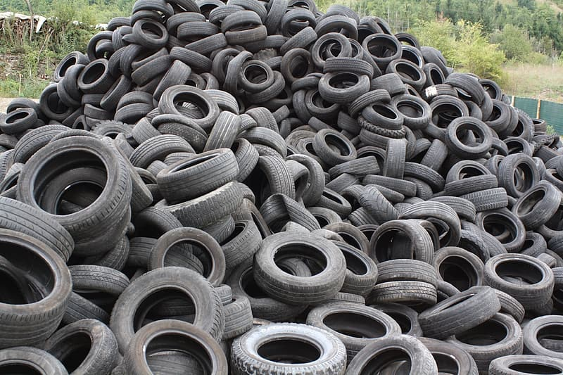 May contain: tire