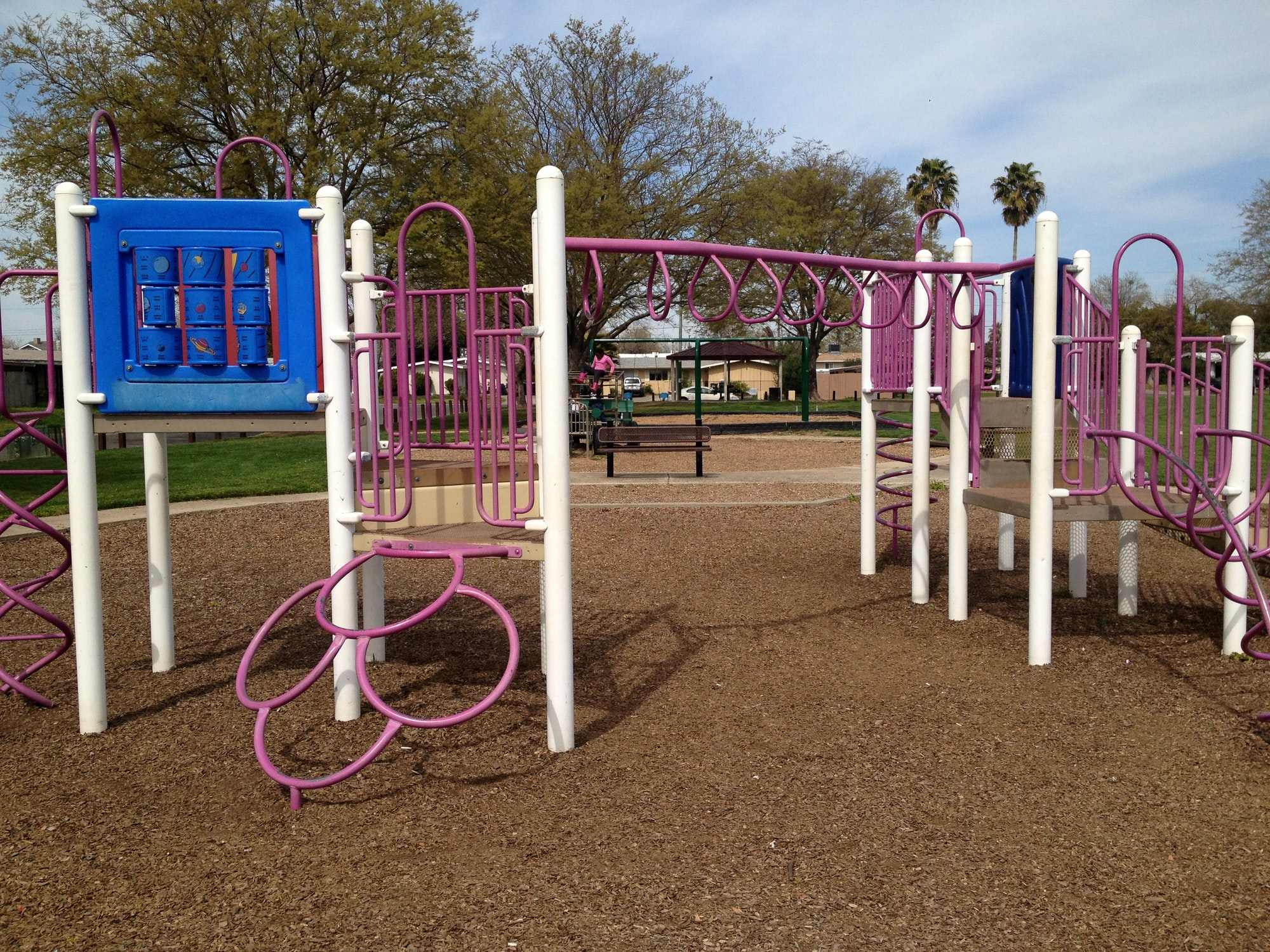 Larchmont Park playground