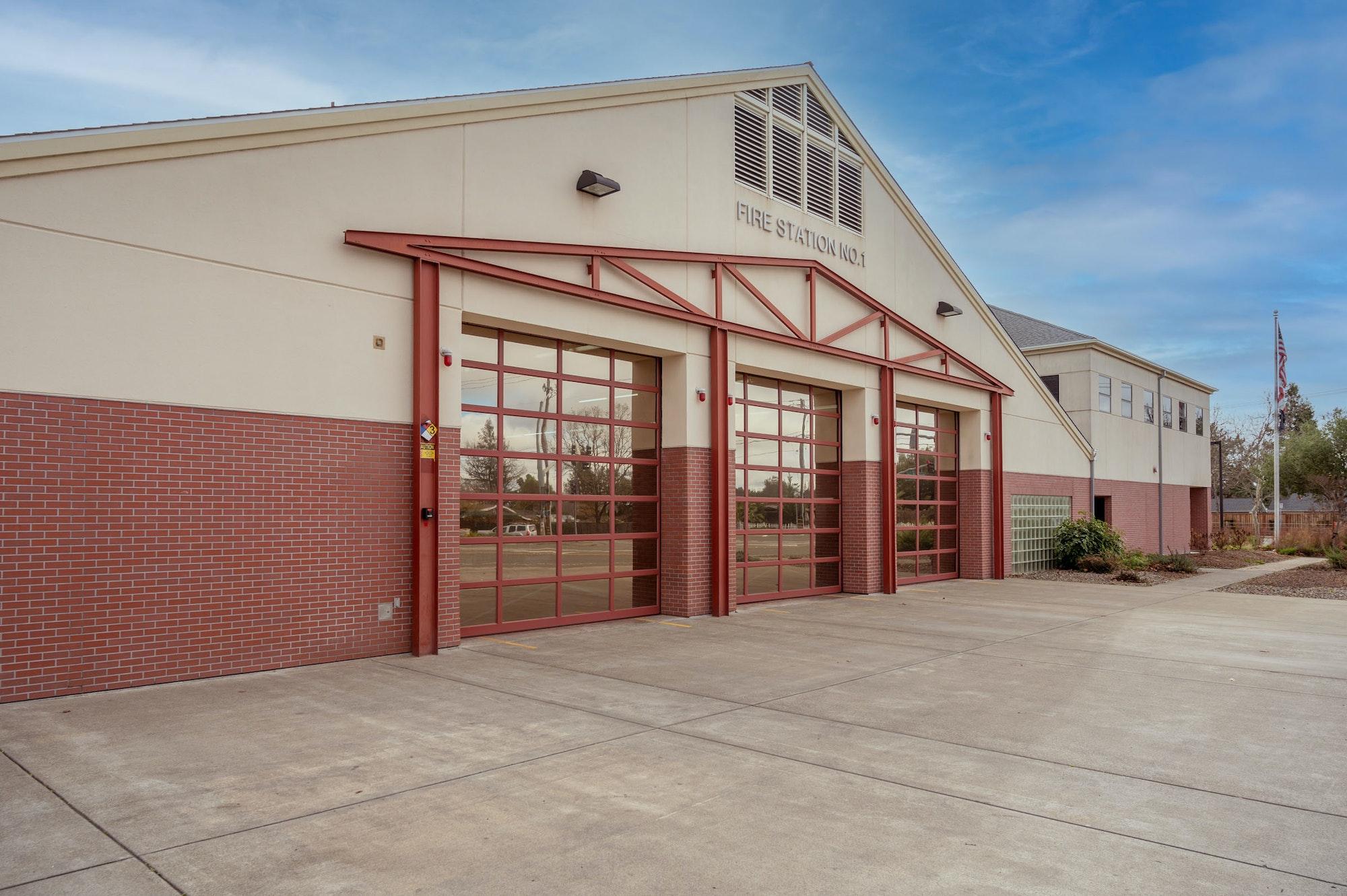 May contain: hangar and building