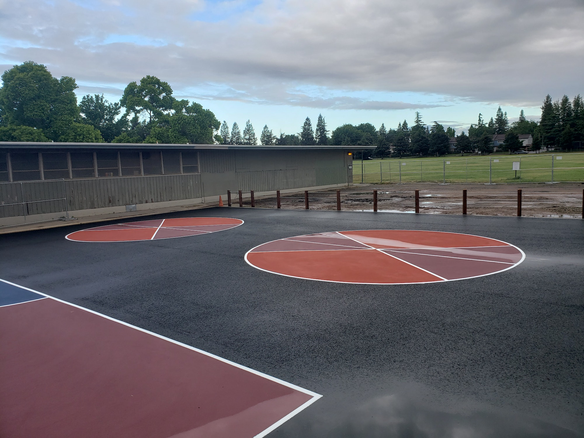 May contain: sports, basketball court, basketball, sport, team sport, and team