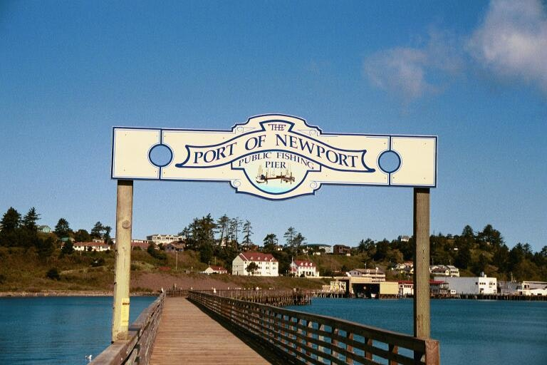 Entrance to the Port of Newport public fishing pier