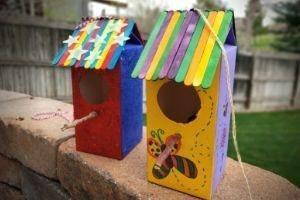1/2 gallon cardboard juice box birdhouse