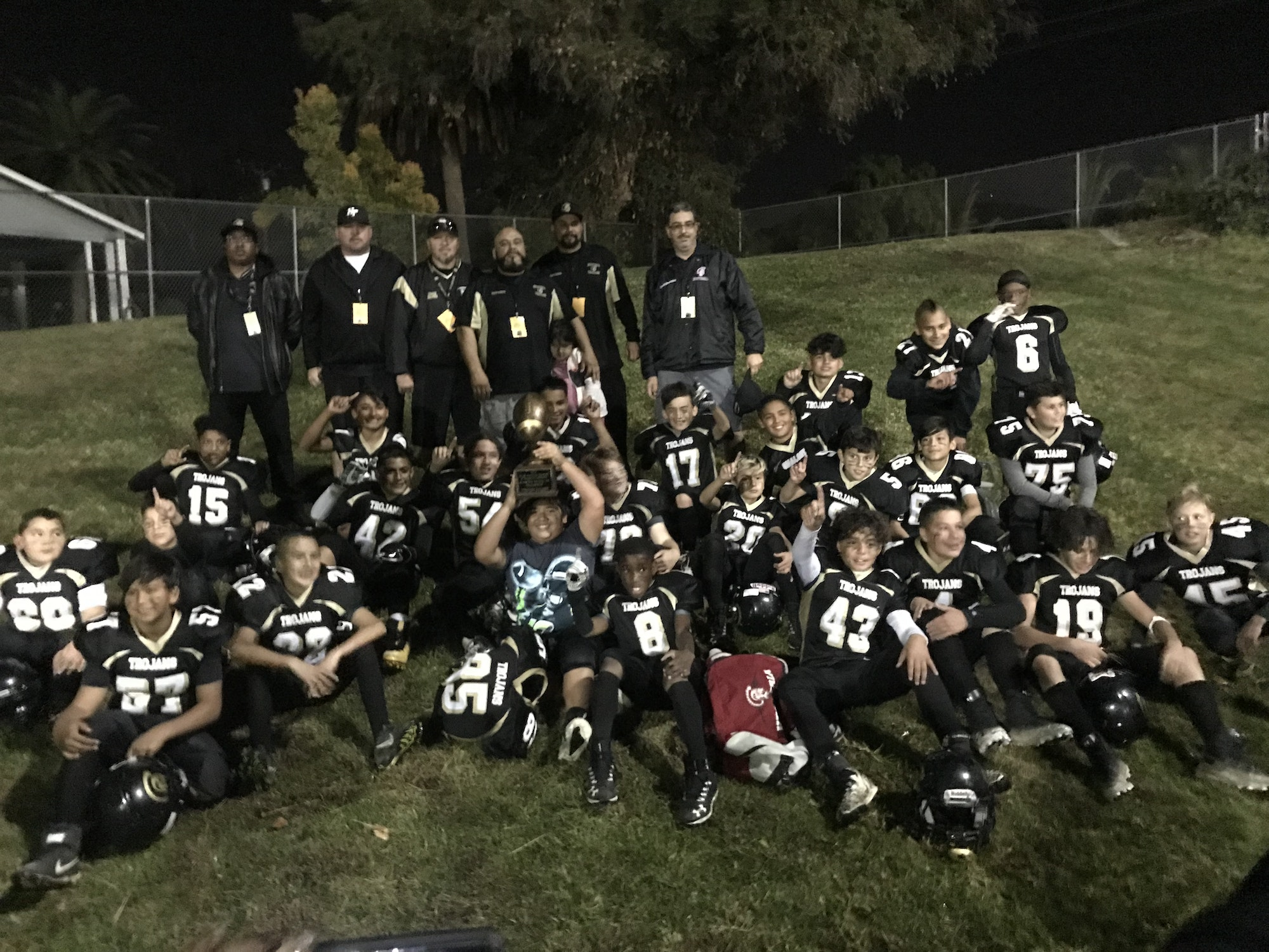 Hesperia Trojans Jr. Pee Wee 2018 team after winning the D1AA 2018 Southern California Junior All-American Conference Championship
