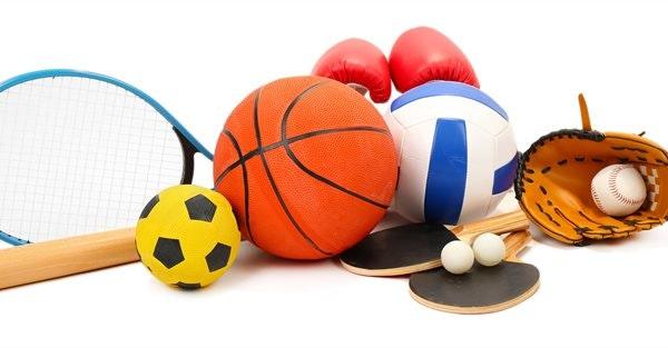 May contain: ball