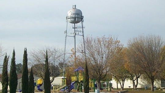 May contain: water tower