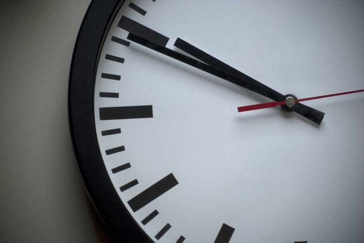 May contain: analog clock and clock