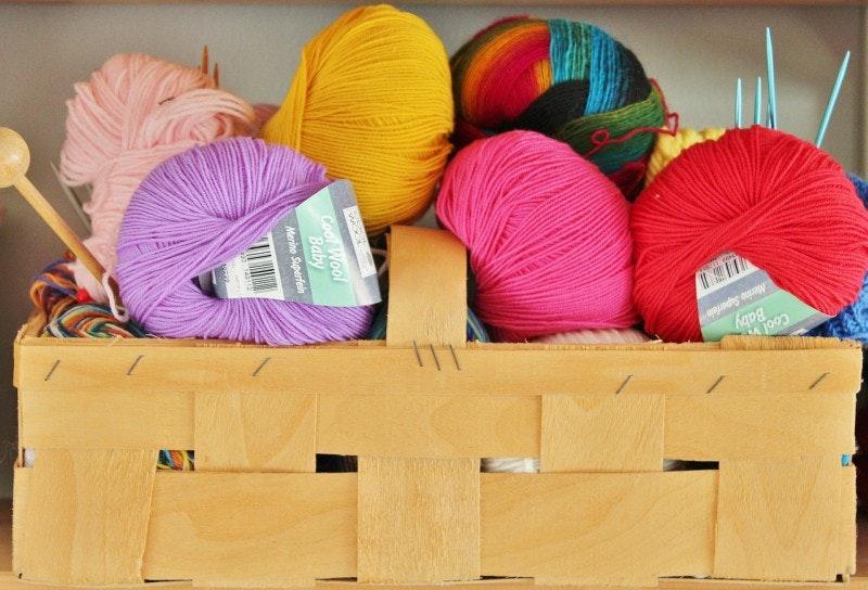 May contain: yarn