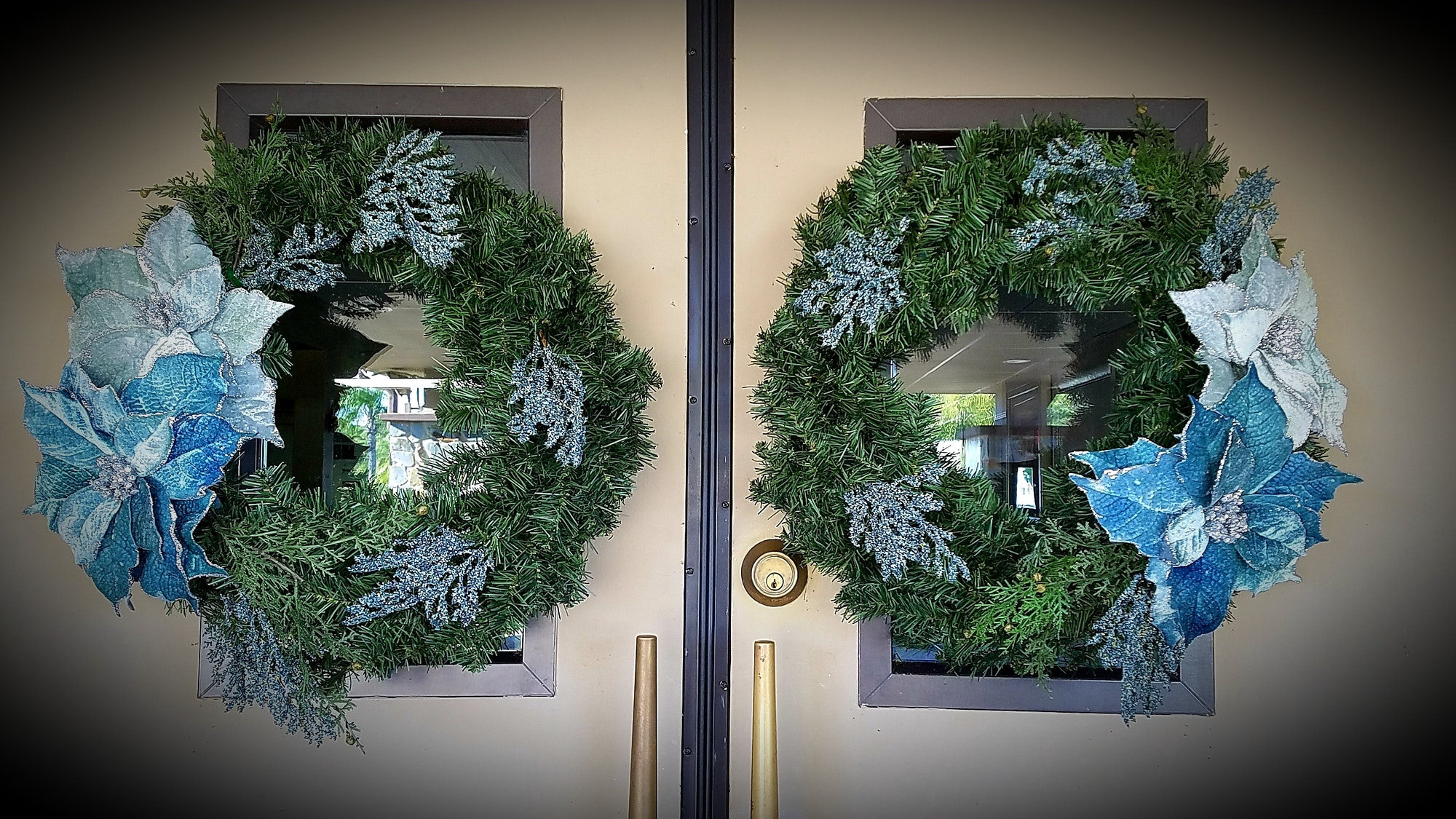 May contain: wreath
